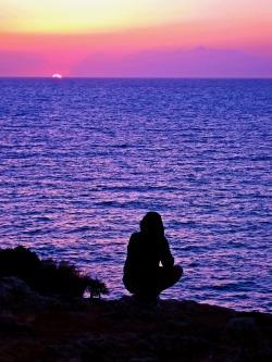 silhouette-1291605_1280.jpg
